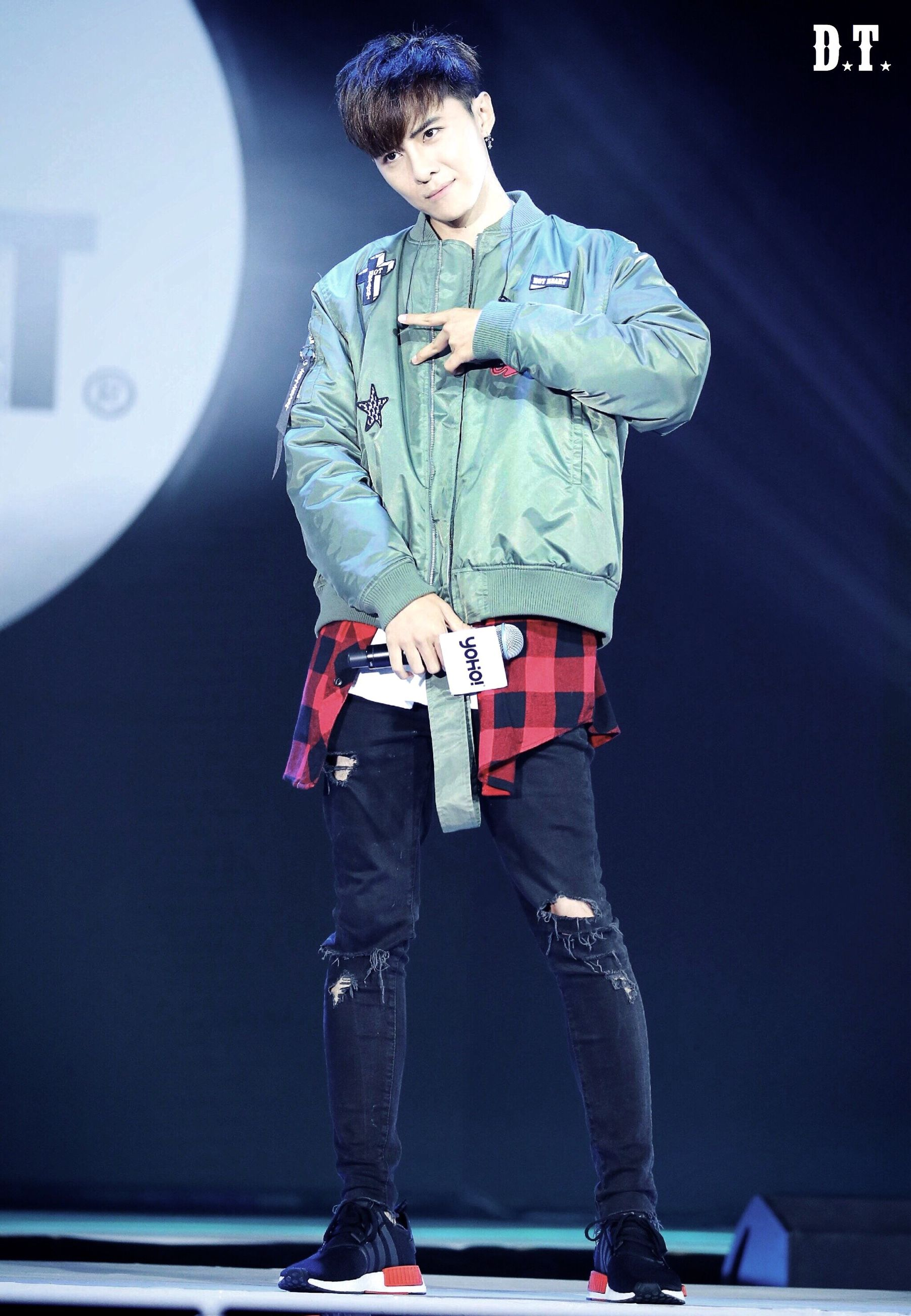 full length, standing, casual clothing, person, front view, young adult, well-dressed, youth culture