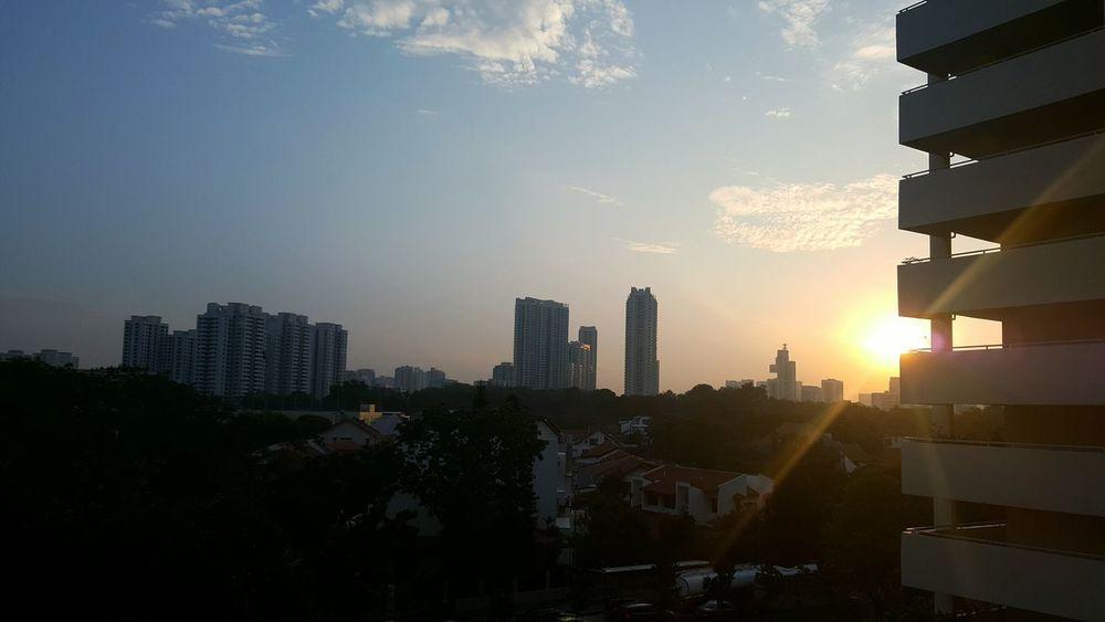 Sunrise EyeEmNewHere Warmth Startoftheday Tall Building Urban Skyline Sky Day