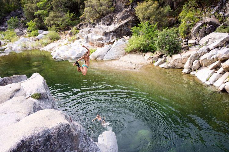 Cliff jumping on the Yuba River Yuba River California Adventure