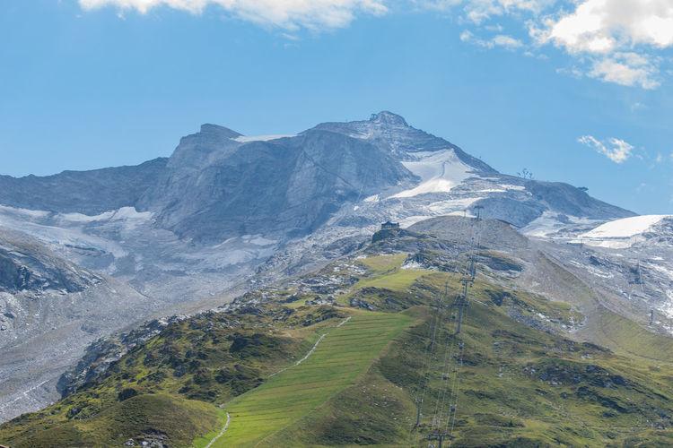 Mountains in austria mayrhofen in zillertal
