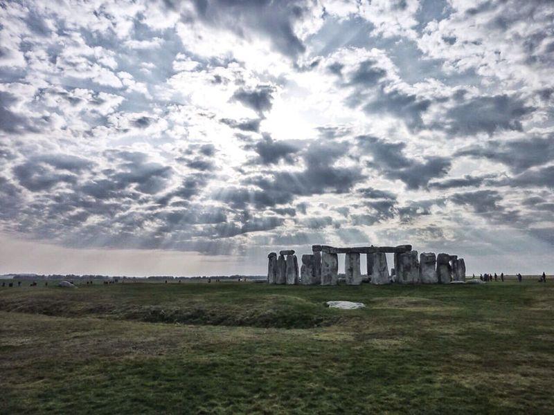 The Illuminator - 2014 EyeEm Awards Eye4photography  Stonehenge Stonehenge Memorial Coucher De Soleil Stonehenge Stonehenge And Sky