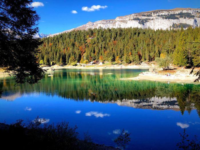 Der wohl schönste See der Schweiz 🇨🇭 Water Reflection Tranquility Beauty In Nature Plant Tree Tranquil Scene Scenics - Nature Nature Lake Sky Outdoors Idyllic