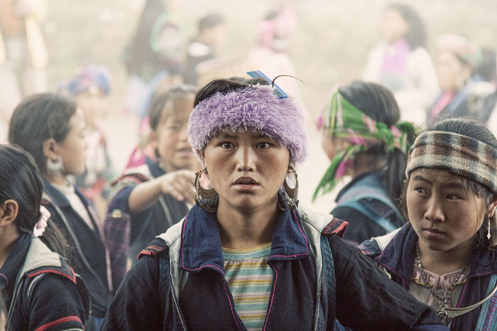 Girls at Sapa Markets, Vietnam Girl Market Marketplace Sapa Sapa, Vietnam Vietnam Vietnamese Vietnamesegirl Vietnamphotography The Portraitist - 2017 EyeEm Awards The Street Photographer - 2017 EyeEm Awards