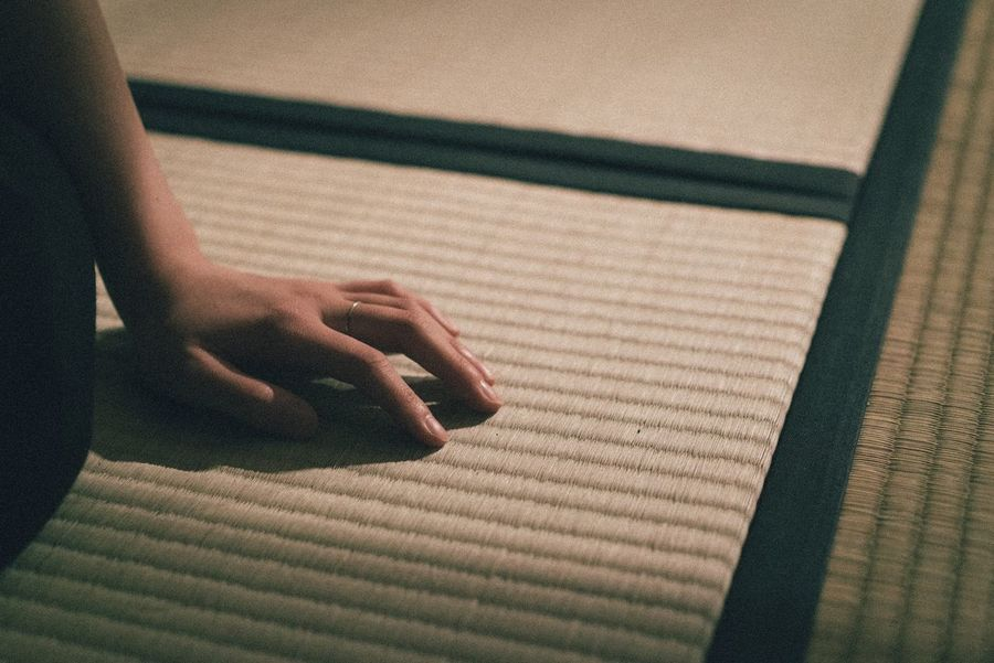 Real People Indoors  Shadow Human Hand One Person Day Human Body Part Sunlight Lifestyles Women Close-up People Japan Japan Photography Japanese  Japanese Culture Japanese Style Tatami
