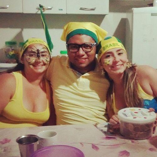 Brasil rumo ao hexa? aqui com as minhas amadas @dienefreitas e DianaBra Copadomundo Tatendocopasim