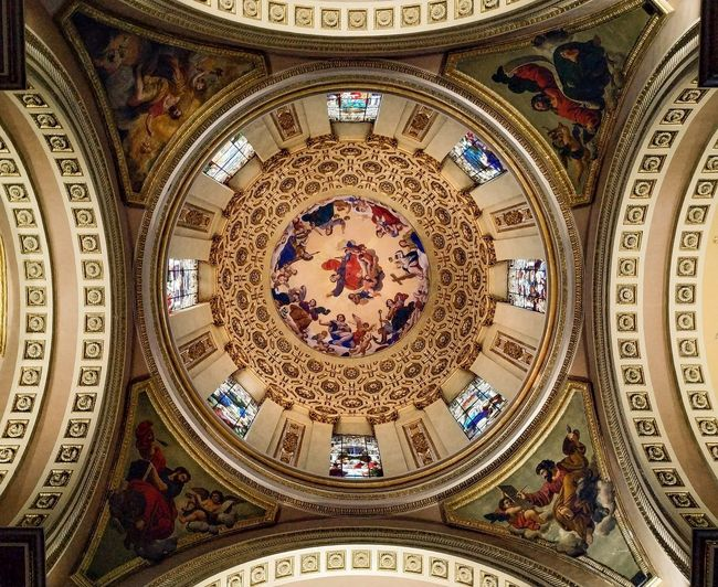 Divinidades alternas Picoftheday Mexico_great_shots Mexicocity  Lights Mexigers Cdmx Church Architecture Catedral Gold Astrology Sign Backgrounds Pattern Architecture And Art Fresco Orthodox Church Architectural Design Cupola Architectural Detail Mural Decorative Art