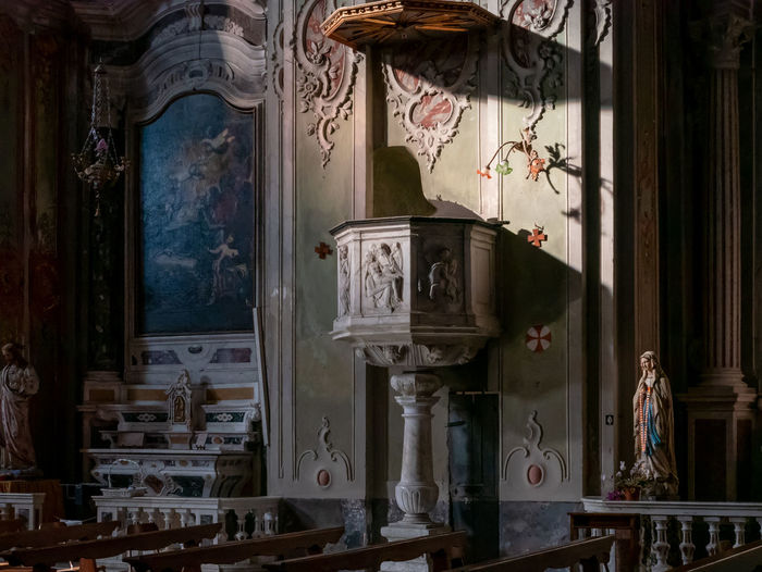 Indoors  Architecture No People Built Structure Day Human Representation Art And Craft Representation Creativity Spirituality History Religion Sculpture Belief Liguria Italy Mediterranean  Baroque Style Baroque Architecture Cervo Cervo Ligure Religious Architecture Building Light Light And Shadow
