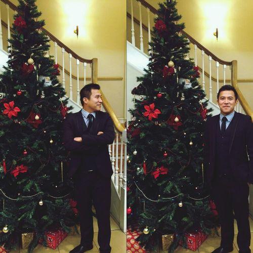 Happy People Christmas Tree Smilers Gentlemen