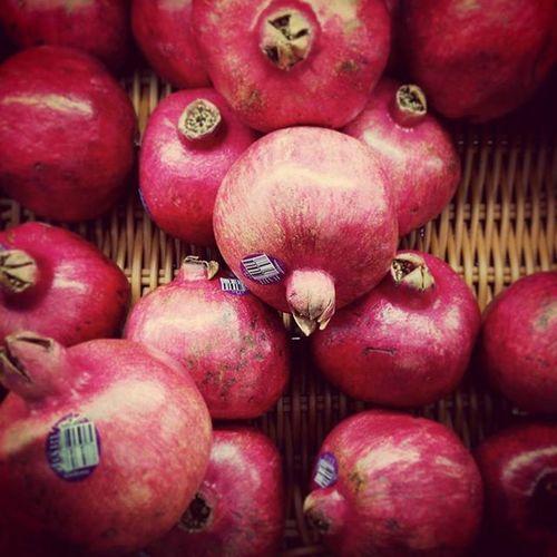又到了石榴的季節了,好愛石榴酸甜多汁的口感 Pomegranate Freshfruit Red Juice Lovemylife 愛曼達
