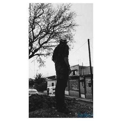 """""""Los momentos que miramos hacia atrás son momentos desperdiciados. Mira siempre hacia delante."""" Evocachiapas Bnw_chiapas Instagram Vscocam Beginnersverdes Beautiful Igerschiapas Instagramers Proyectomo Canonchiapas Mex_meraki Cameramex Talentosmex Lafotografiadeldia Soyserendipia Ig_chiapas SublimeMX Abstract Art"""