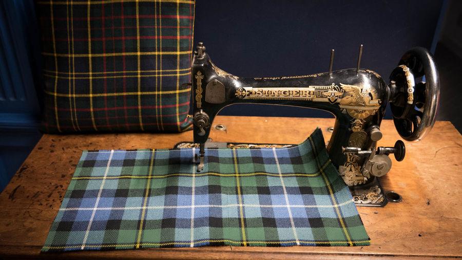 Textile Sewing Machine Checked Pattern Pattern Machinery Retro Styled Close-up Manufacturing Equipment Thread Tablecloth Industry Tartan Kilt Kilts Scotland Scotland 💕 Scotlandsbeauty Antique