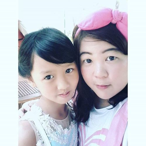 Wif jia-jia on liang-liang bday party. Kaliurang Explorekaliurang Griyapersadahotel Birthdayparty Hosting MC Koreanstyle Makeup Minimalist Instalike Instapic Selfienation Selfie October2015