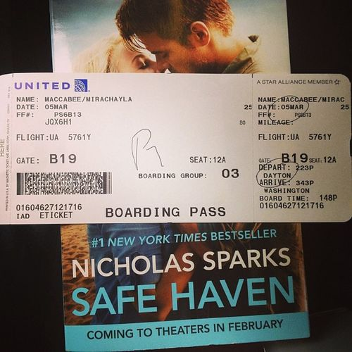 Fly time, think I'll read a book :) Flying Safehaven Nicholassparks Love plane united