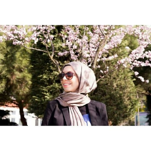 In sync with the upcoming spring :) Photo by @mycha93 Spring Blossoms  Modestfashion Istanbul turkey
