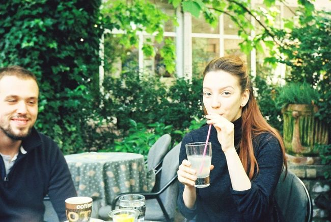 Happiness Smiling Outdoors Drinking Coffee - Drink Refreshment Two People Togetherness In Love With This Picture In Joying Life JingJang