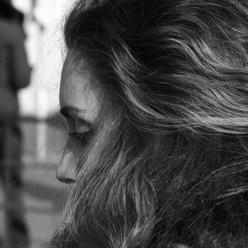 First Eyeem Photo Lightandshadow Black & White Liebe ❤ Love ♥ Ljubljana Vacation Olympus OM-D E-M5 Portrait Of A Woman Portrait Photography Nahrungsaufnahme Girl Portrait