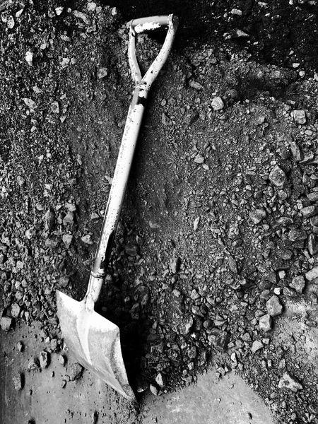 Blackandwhite Black And White Scwarz/weiß Blancoynegro Shovel Work Hard Work Labor