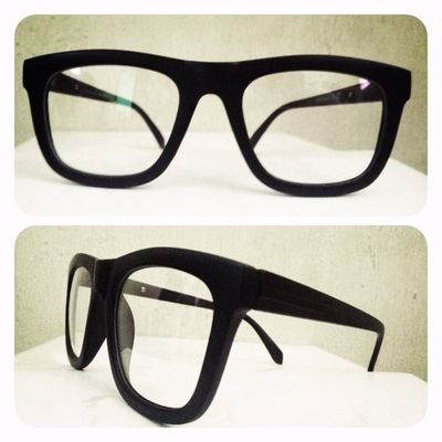Rightrow x throne collab EYEGLASSES , 140K disc 15% for online order. 08990125182 / 237EDE37 . Grabfast! Throne39 Eyeglasses