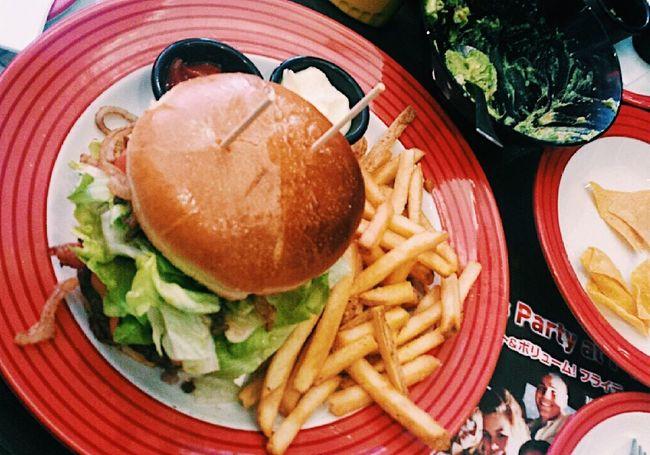 ハンバーガー Hamburger French Fries Japan Nagoya 名古屋 Food Fast Food Foodphotography Foodporn Tgi Tgifridays Fridays 🍔🍟🥗🍴