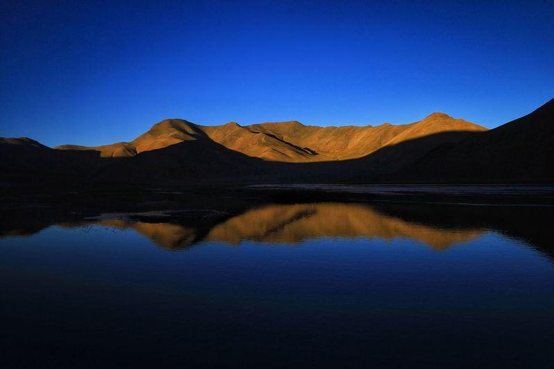 清晨的阿里 Blue Scenics Nature Mountain Clear Sky Reflection Tranquil Scene No People Lake Outdoors