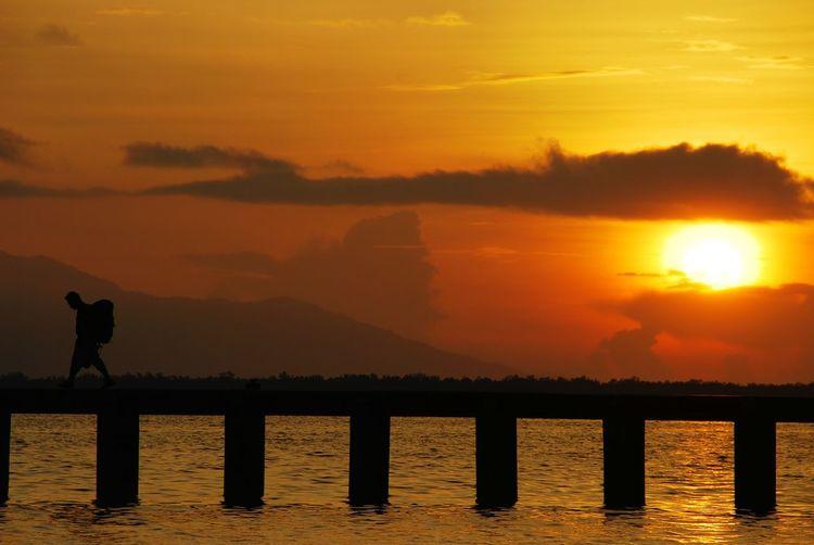05.2008 The Essence Of Summer Dos Palmas Puerto Princesa Palawan Philippines Travel Sunset Silhouette Sea And Sky Orange EyeemPhilippines Sea