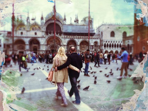 EyeEm Traveling Visual Witness People Watching ShotoniPhone6s Streetphotography Hipstamatic Shootermag Hipstography Around_the_world My Own Style Of Beauty Hello World EyeEm In Venice Love The Street Photographer - 2016 EyeEm Awards Let's Go. Together.