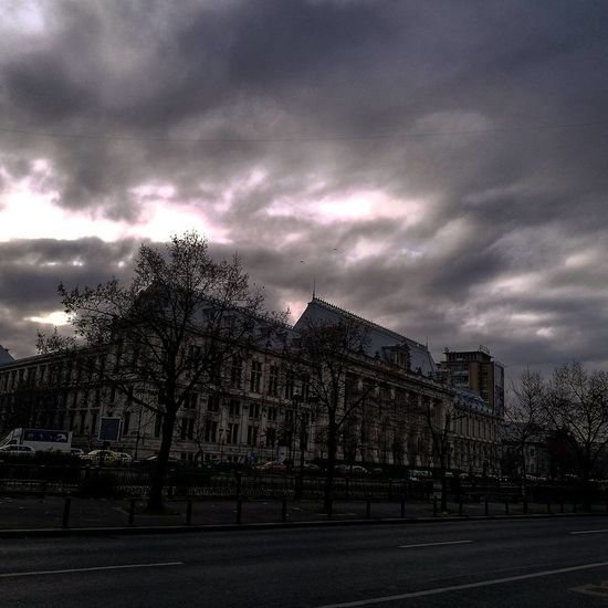 Lovelyarhitecture City Bucharest