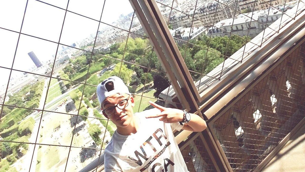 Souvenirs ✨... Tourists Paris ❤ 2015  Summer ☀ Hello World Enjoying Life Selfie✌ Good Times 😅😤😍💙✌