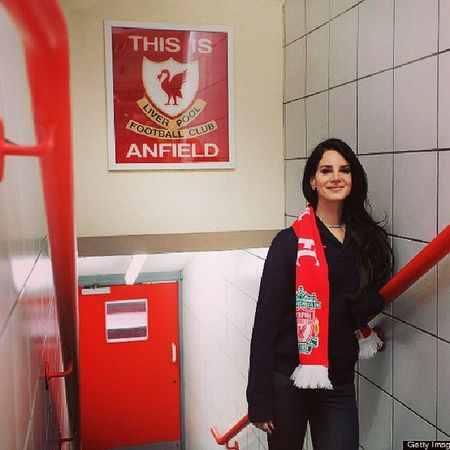 She's the one. Perfect combination. Lana del rey plus Liverpool fc. Perghh superb LanaDelRey Liverpool YNWA TheKOP