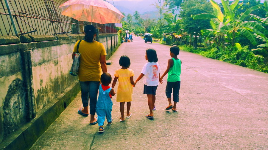 """""""Life is a journey, not a destination."""" – Emerson Family Time Family Portrait Family Walks Family Day Family Time ♥"""