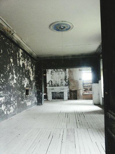 In The Hause Fireplace Historical Place Traveling In Belarus дворец Святополк-Четвертинских в Желудке