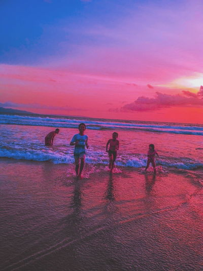 Runaway Sea Water Beach Sunset Scenics Vacations Beauty In Nature Nature Outdoors Horizon Over Water Wave People Sky Adult Adults Only Day Tonetality Tonekillers Tonesbox Tonechaser_ The Secret Spaces Worldwide_shot Travel Destinations Worldcaptures