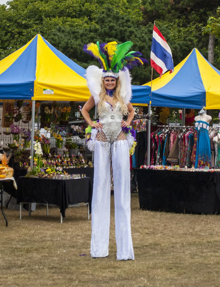 Bit of a tall order. 2016 Portsmouth Hampshire  England🇬🇧 Southsea Foodfestival Thai Stilts Female Tall