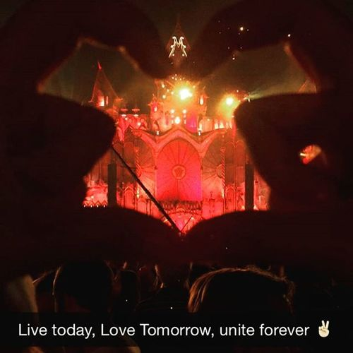 Tomorrowland Livetodaylovetomorrowuniteforever Thebestplacetobe Snapchat Day2 instalove addiction amazingcrowd crazyplans hearts bestdaysofmylife bestdjs tomorrowlandbelgium tomorrowland2015 theplacewhereeveryoneunites