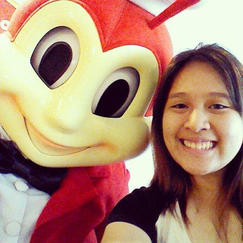 Selfie with mah boyfriend ? more of bee and mix-ins on my blog ohpenda.com soon ? Jollibee JollyBreak