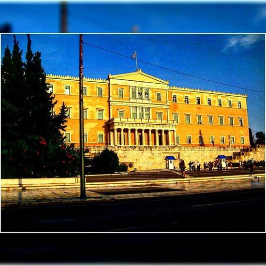 Greece Ελλάδα Athens Αθηνα Whitecity Atina VisitGreece Instagreece Instaathens Amazing City Streetsofathens Hellenic Parliament Greekarchitecture Architecture Beautiful Building