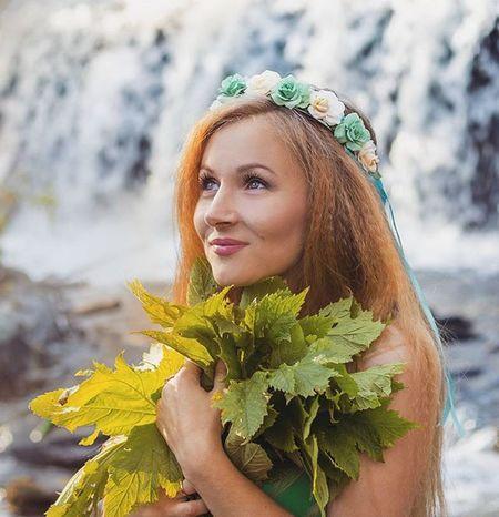 Девушка-весна @anastasia_polts Yanka_partisanka Kamchatka водопад веснушки листья камчатка весна