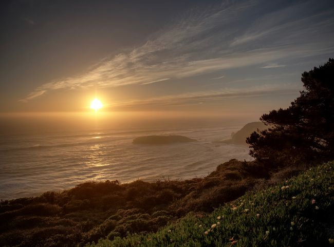 Pacific Sunset Nature Twilight Beauty In Nature Dusk Horizon Over Water Landscape Moody Nature Nightfall No People Ocean Outdoors Scenics Sun Sunlight Sunset Tranquil Scene Tranquility Water