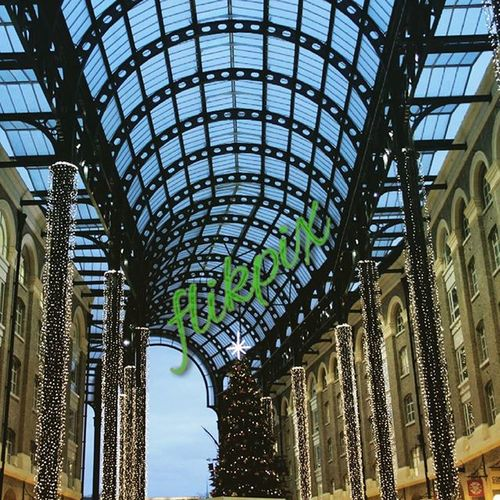 Hays Galleria was nicely decked out for the season. Wanted to capture it when the maddening crowd wasn't around so got there early this morning. Building Londonlife London Mylondon Uk Beautifulbuildings Teamlondonbridge Architecture Christmas
