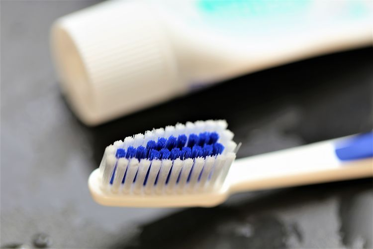 Close-up Indoors  No People Healthcare And Medicine Communication Scientific Experiment Plastic Hygiene Blue High Angle View Selective Focus Technology White Color Computer Part Science Equipment Still Life Connection Table Toothbrush Tray Electrical Component