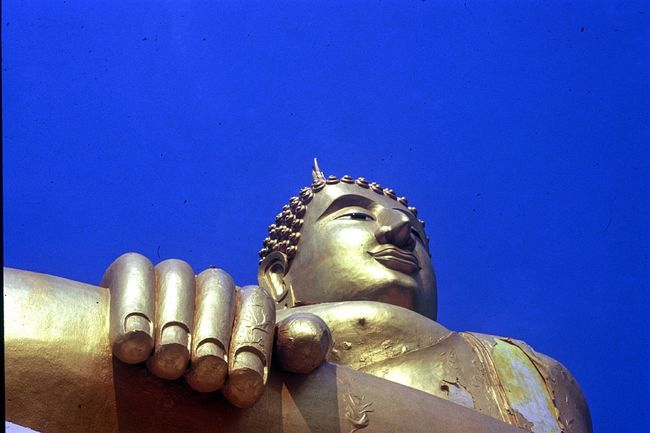 43 Golden Moments Koh Samui Wat Phra Yai Thailand Big Buddha Temple Big Buddha Statue Golden Buddha Travel Photography Old Holiday Photos From My Point Of View Looking Up Sunlight Blue Sky