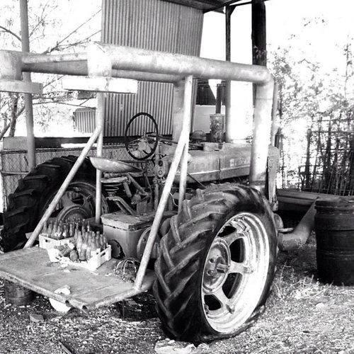 Happy Wednesday to all. Here's a pic of an old Seedharvester that's under one of the sheds in Zapataranch . Bwwednesday riograndevalleyigers munozranch southtexas cokebottles