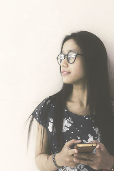 One Woman Only Adult Only Women One Person Adults Only Young Adult Eyeglasses  One Young Woman Only Black Hair People Women Beauty Beautiful Woman Livefolks Folkindonesia Looking At Camera Alone Lifestyles Folk First Eyeem Photo TCPM Majapahit Portrait Day Smile ♥