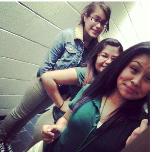 Me ,Kassandra && Alexis (;