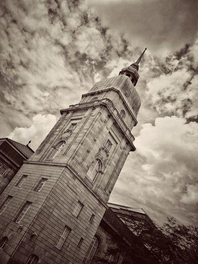 EyeEm Selects Cloudy Clouds Cloud City Sculpture History Statue Sky Architecture Building Exterior Built Structure Cloud - Sky Clock Tower