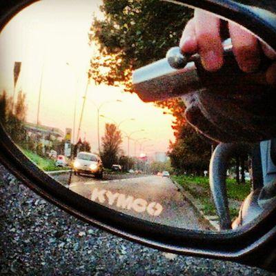 Tramonto urbano #sunset #mirror #ontheroad Sunset Mirror Ontheroad