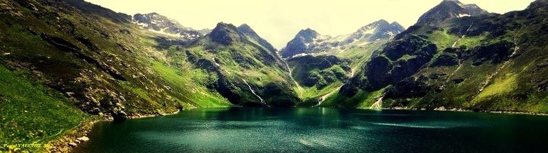 Lac. Lake.