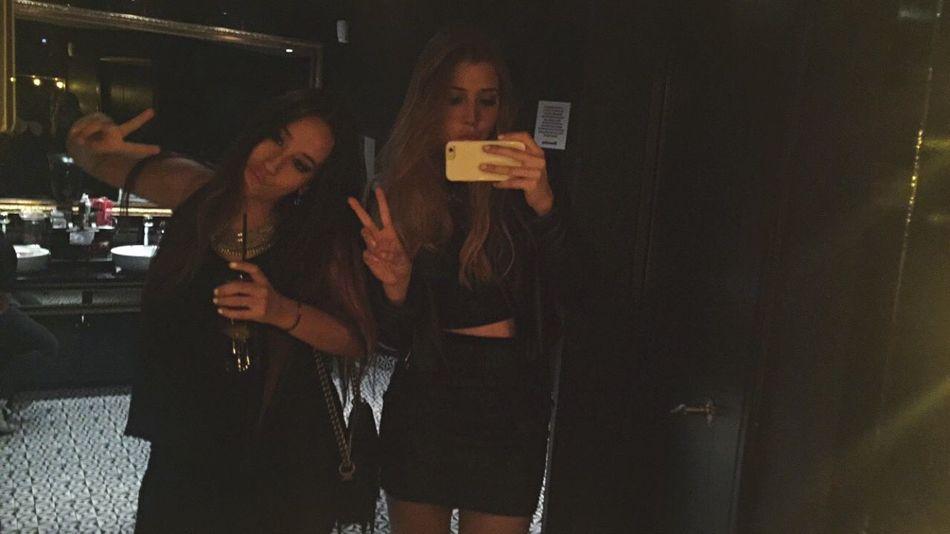 Taking Photos Me Mirrorselfie Friends LastNight GirlsNight Blonde