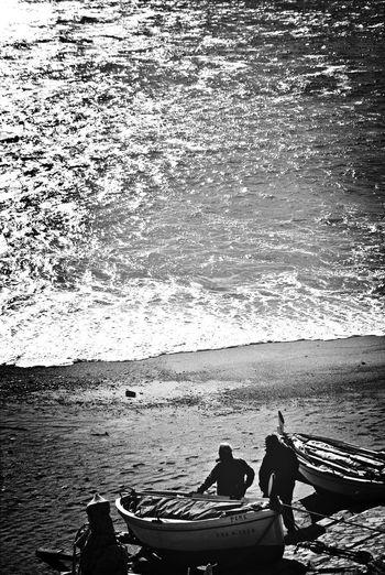 Esperando La Calma Blackandwhite Fishermen