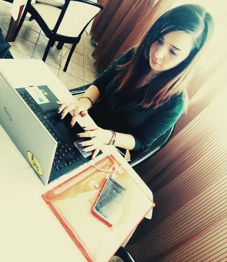 WomeninBusiness Working Humanitarianwork Workshops Plannig NGOs